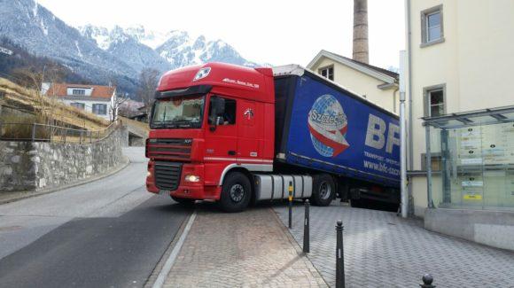 Erster Transport 2017 verlässt das Hilfswerk Liechtenstein