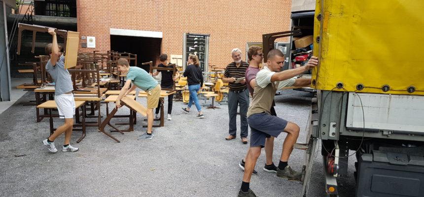 Schulmöbel des Gymnasiums für Rumänien