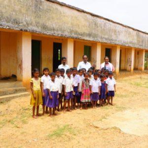 Strassenkinder in Odisha, Indien