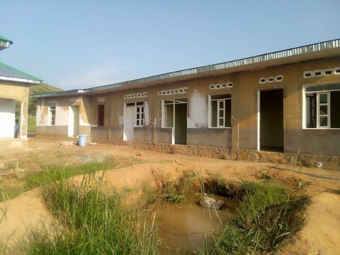 Gesundheitszentrum Kongo vor Fertigstellung