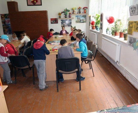 Heizkörper für eine Schule in Mihailovca, Moldawien, 2019