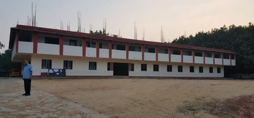 Schulerweiterung in Gokulnagar, Tripura, Indien