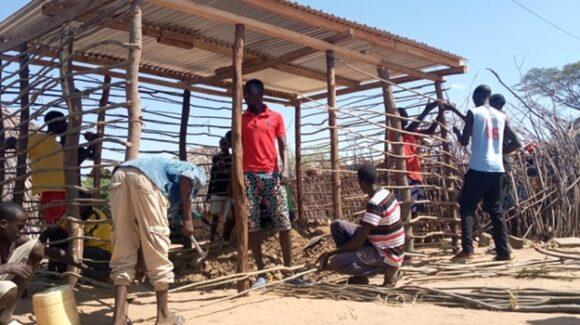 13 neue Häuschen für Familien in Napetet, Kenia