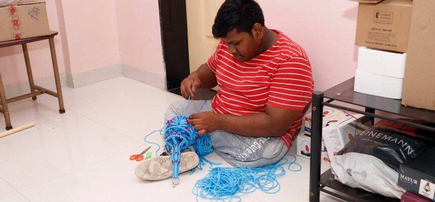 Arbeiten von Studenten des Behindertenheims Snehalaya